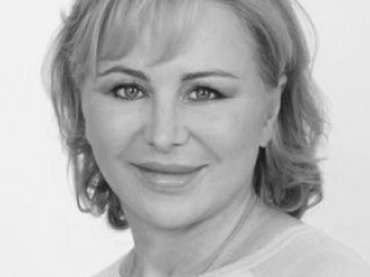 Dr. Isolde Hertess